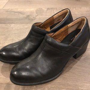 BOC Born Concepts Clogs Size 10 Black